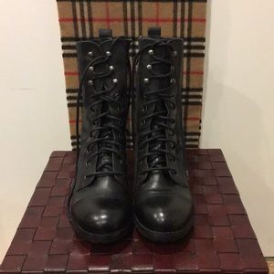 Steve Madden boots Great Condition.